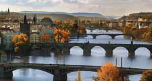 Karlsbron – den största sevärdheten